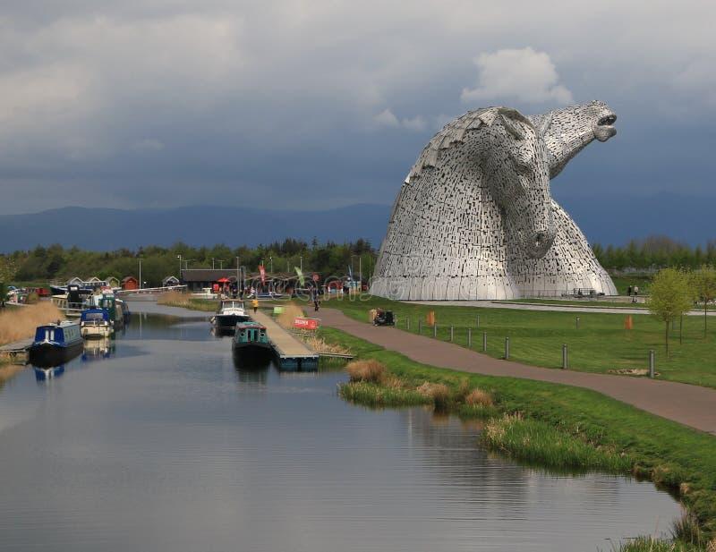 Les Kelpies près du canal près de Falkirk, Ecosse images libres de droits