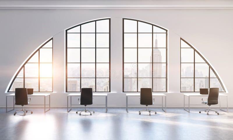 Les lieux de travail dans un espace ouvert moderne lumineux tracent le bureau Tables blanches et chaises noires Vue de New York C illustration de vecteur