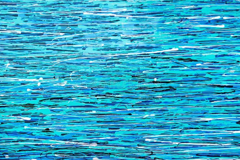 Les lignes bleues et blanches ont peint sur un mur photos libres de droits