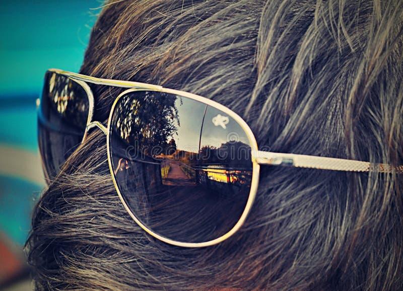 Les lunettes sur sa tête photos libres de droits