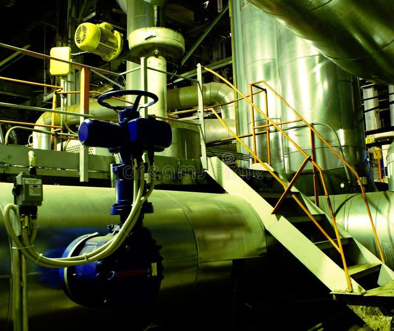 les machines sifflent la turbine de tubes de vapeur images stock