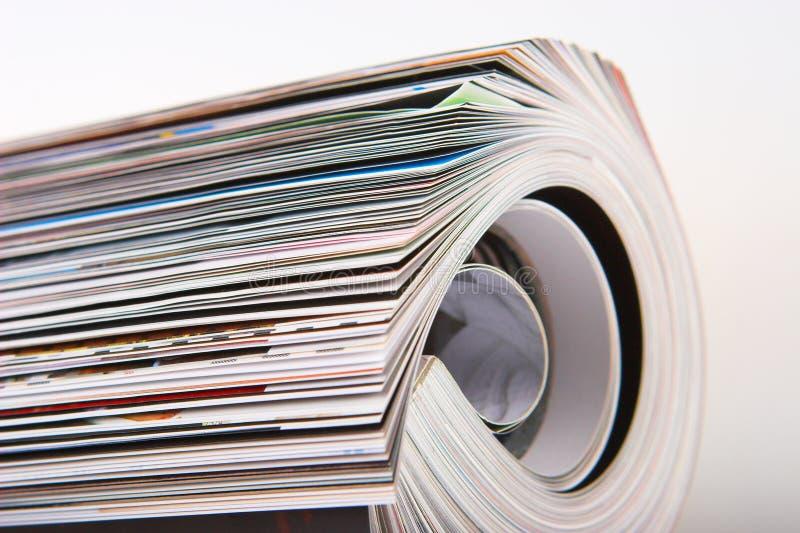Les magazines se ferment images stock