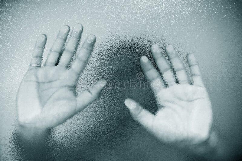 Les mains de l'homme photos stock