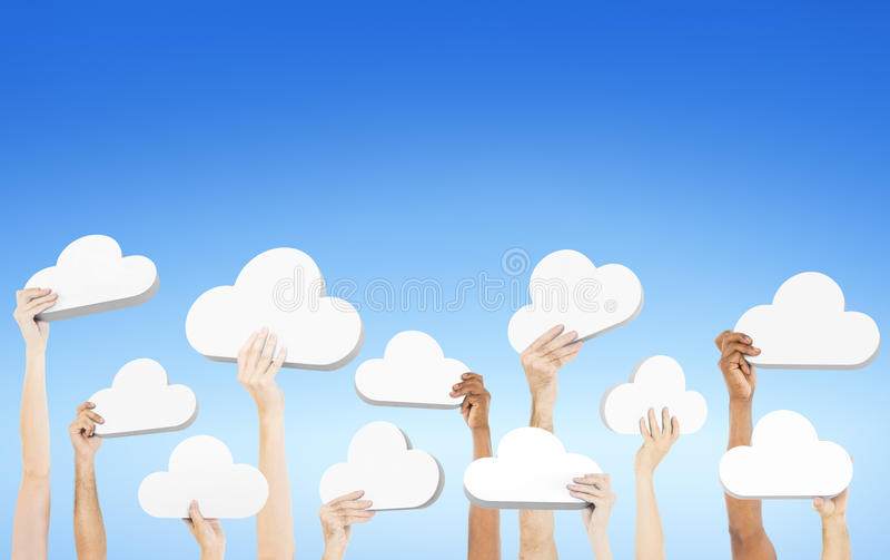 Les mains tenant le discours formé par nuage bouillonne concept photo stock