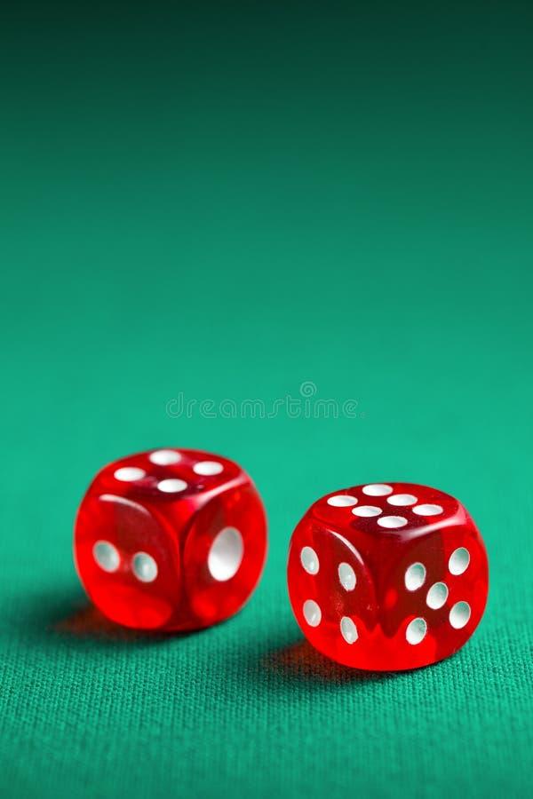Les matrices rouges de casino images libres de droits