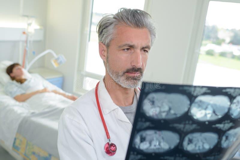 Les mauvaises actualités médicales image libre de droits