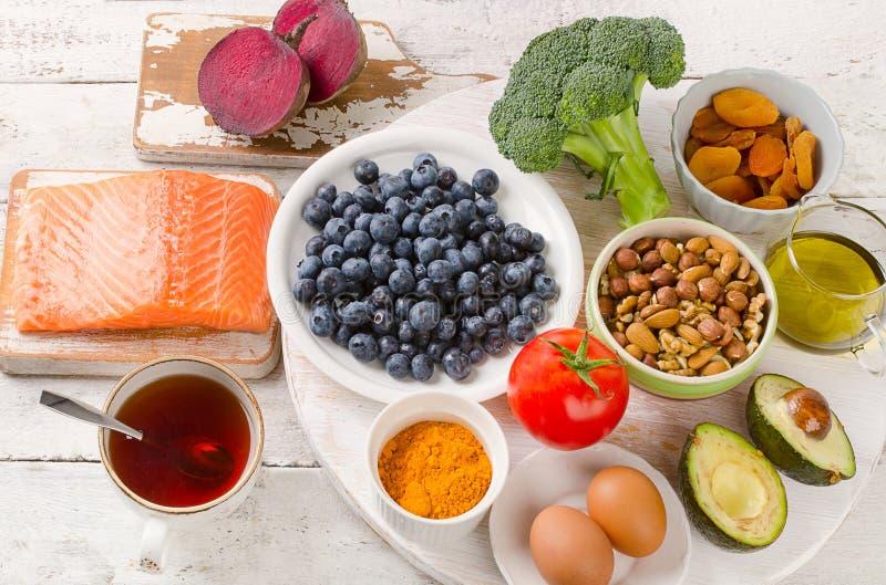 Les meilleures nourritures pour votre cerveau Concept sain de consommation image libre de droits