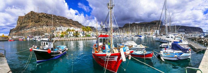 Les meilleures plages de Gran Canaria - port de pêche pittoresque Puerto de Mogan photo stock