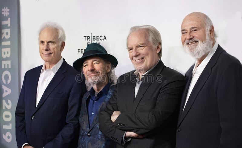 Les membres de la distribution au trente-cinquième anniversaire de CECI EST PONCTION LOMBAIRE au festival 2019 de film de Tribeca photographie stock