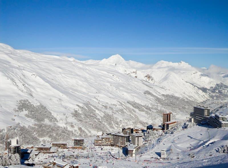 Les Menuires, una stazione sciistica di 3 valli nelle alpi fotografia stock libera da diritti