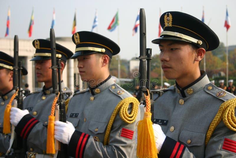 Les militaires gardent, Séoul, Corée du Sud photo libre de droits