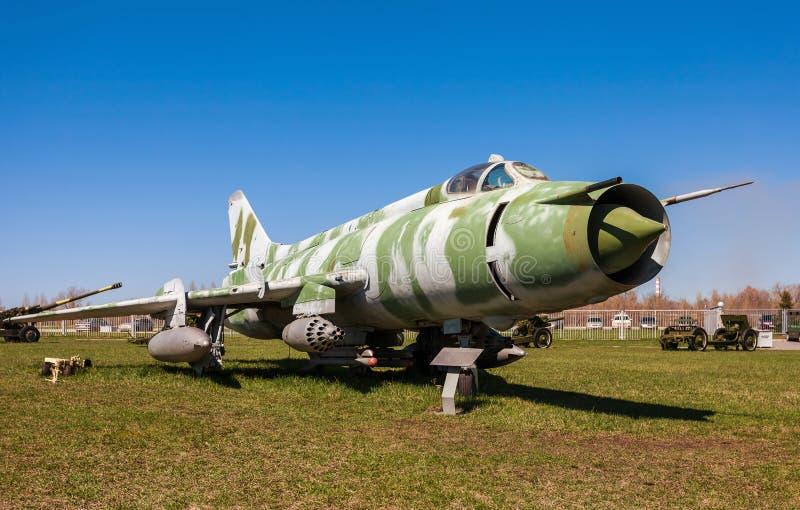Les militaires russes voyagent en jet l'avion de combat Su-17 photographie stock