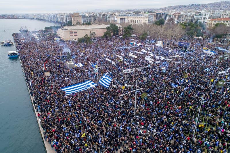 Les milliers de personnes protestent contre n'importe quel compromis grec sur photographie stock libre de droits