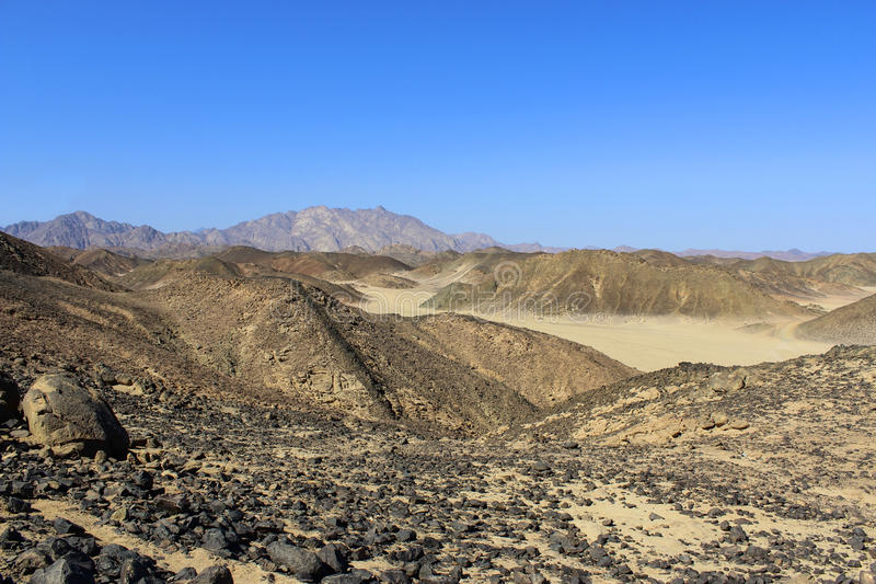 Les montagnes dans le désert image libre de droits