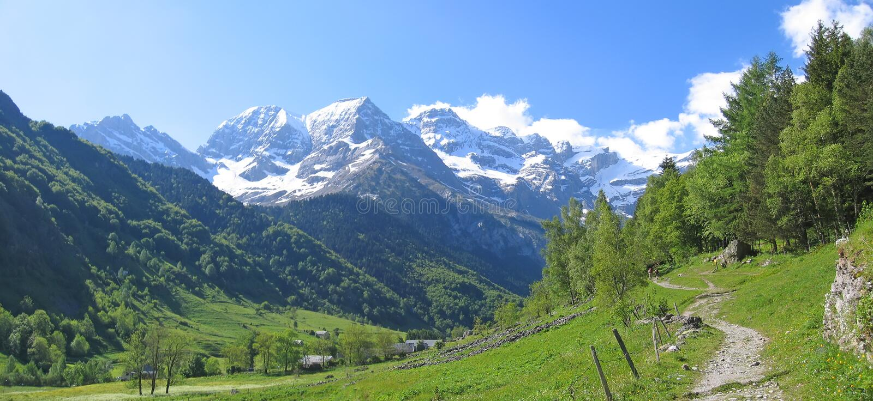 Les montagnes de cirque de Gavarnie photo stock