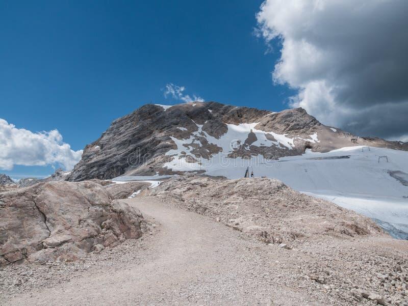 Les montagnes des Alpes au Tyrol, Autriche photo stock