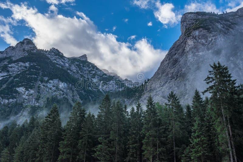 Les montagnes des Alpes en Bavière, Allemagne photos libres de droits