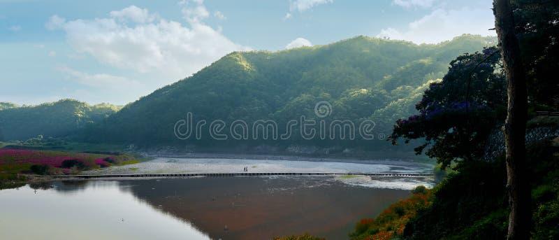 Les montagnes et la rivière d'Andong, Corée du Sud image stock