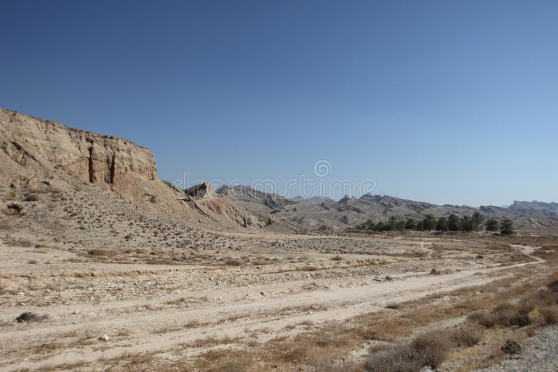 Les montagnes le long du golfe Persique en Iran images libres de droits