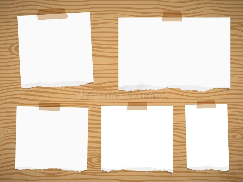Les morceaux de papier de note vide blanc déchiré sticked sur le mur ou le conseil en bois brun illustration de vecteur