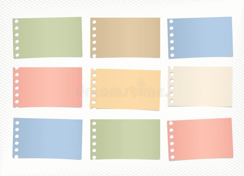 Les morceaux de papier de note vide coloré sticked sur le fond diagonal rayé illustration libre de droits