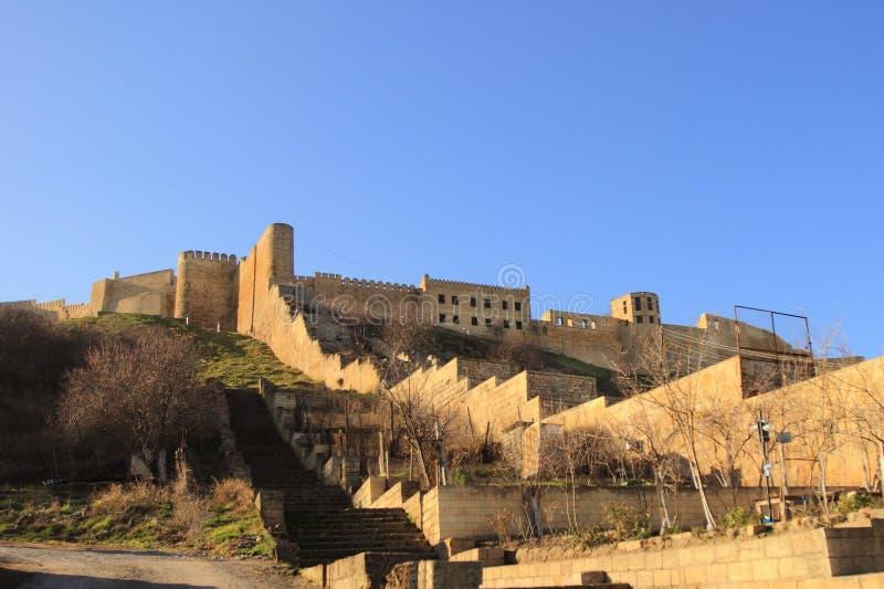 Les murs de la forteresse Naryn-Kala de Sassanid dans la ville de Derbent, République de Dagestan image stock