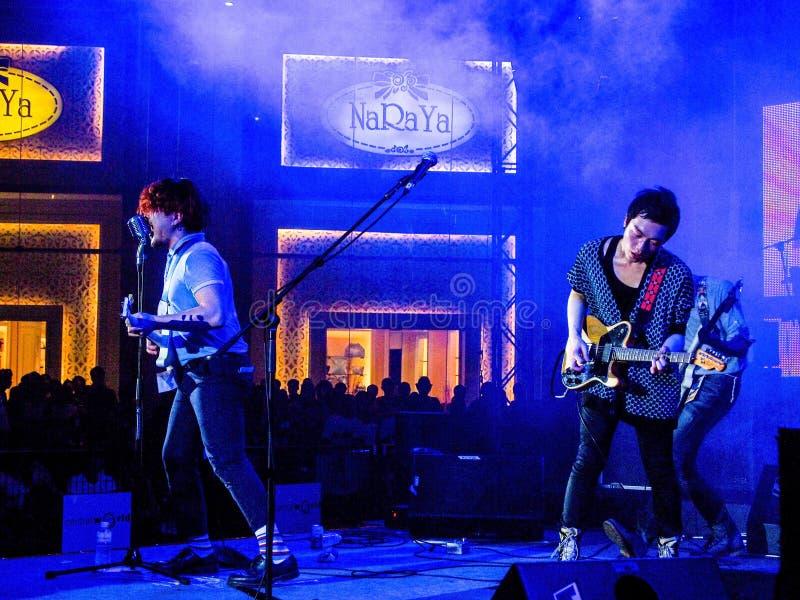 Les musiciens sont sur la scène, Thaïlande le 26 mars 2011 images stock