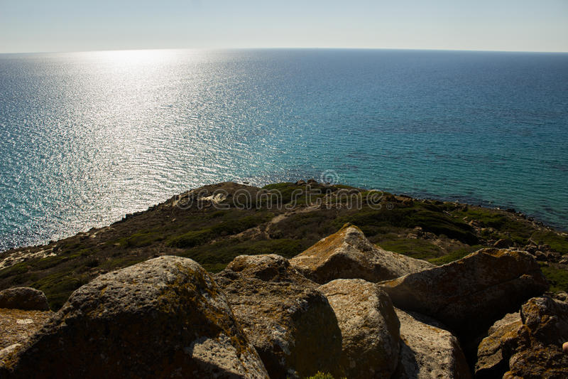 Les nombreuses nuances du bleu de la mer Méditerranée image stock