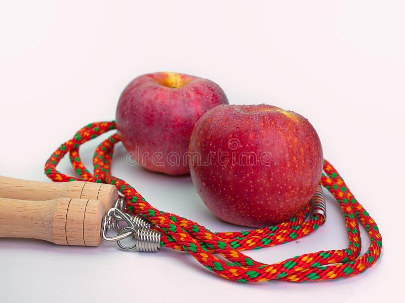 Les nourritures biologiques d'Apple, la nourriture saine au coeur et le cholestérol suivent un régime, photo stock