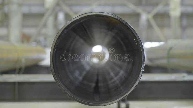 Les nouveaux conduits d'égout industriels en métal vue de face, se ferment  Vue de face de tuyau photographie stock libre de droits