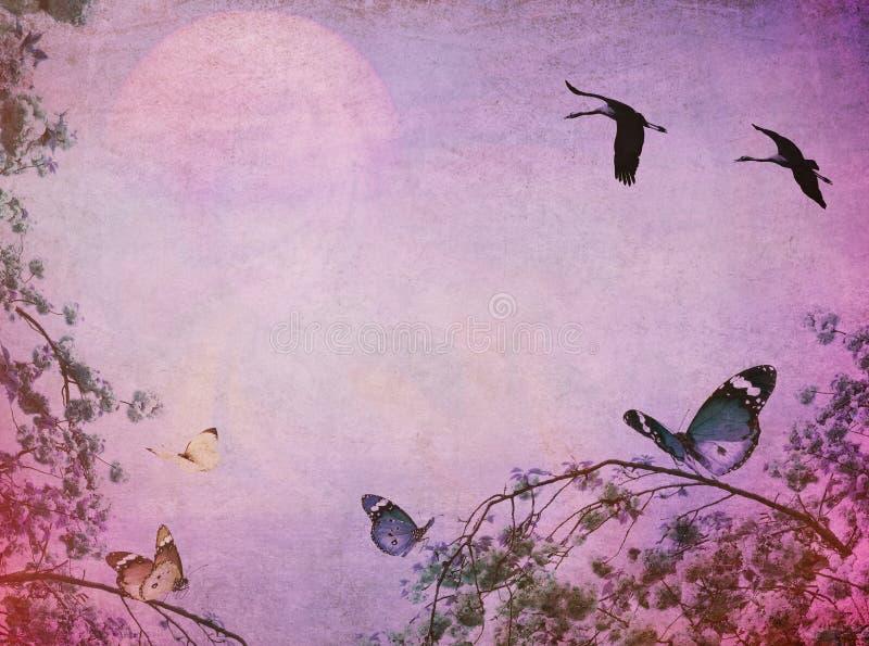 Les oiseaux libres volent sur le lever de soleil magique rose au-dessus de la mer R?ves d'inspiration images libres de droits