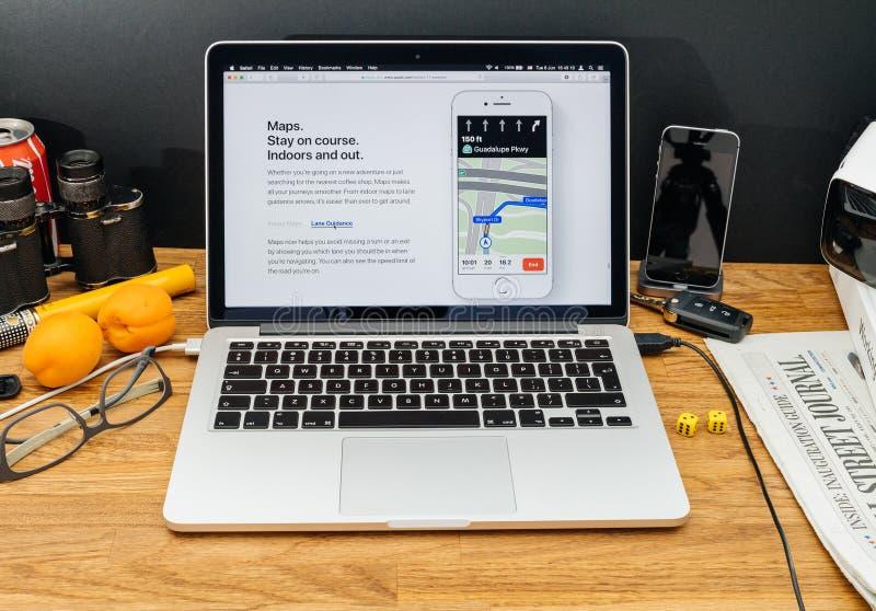 Les ordinateurs Apple aux dernières annonces de WWDC de la pomme trace en La image stock