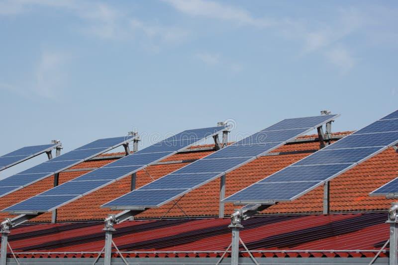 les panneaux rament solaire photographie stock