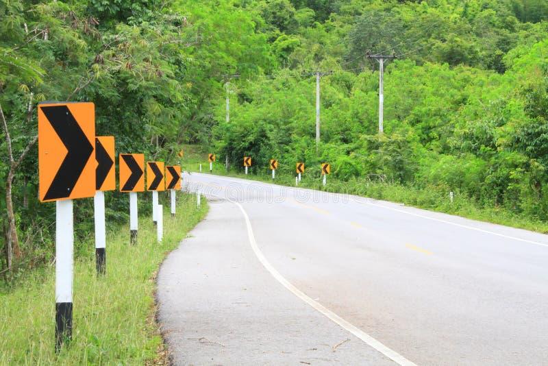 Les panneaux routiers avertissent des conducteurs images stock
