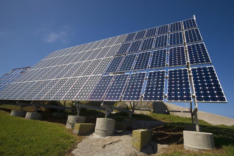 Les panneaux solaires photographie stock libre de droits
