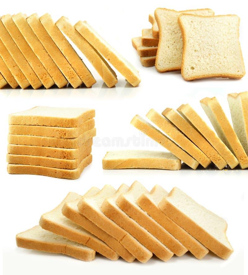 Les parts cuites au four de pain ont isolé la nourriture images libres de droits
