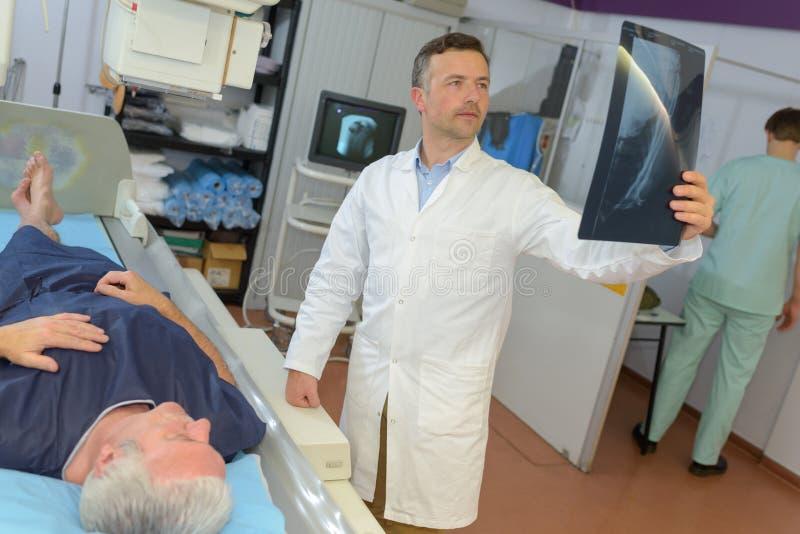 Les patients de résultat soutiennent le rayon X photo libre de droits