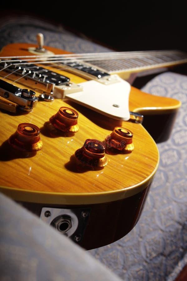 Les Paul Guitar - Gelb III stockfoto