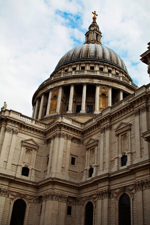 Les pauls cathédrale, Londres de St, est une cathédrale Anglicane image stock