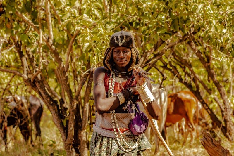 Les personnes locales de la grande réservation Tanzanie de jeu de Selous image libre de droits