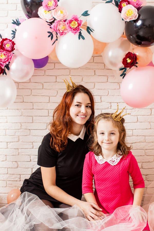 Les petites princesses mignonnes photographie stock libre de droits