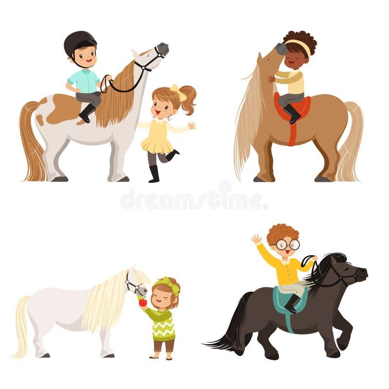 Les petits enfants mignons montant des poneys et prenant soin de leurs chevaux ont placé, sport équestre, illustrations de vecteu illustration de vecteur