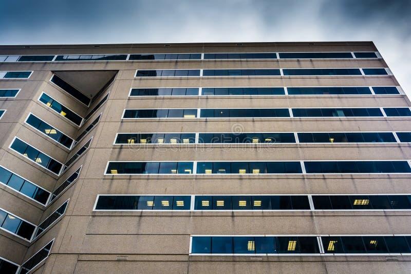 Les petits groupes d'architecture de la Banque d'Amérique centrent à B du centre photos libres de droits