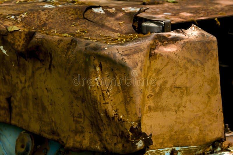 Les pièces de moteur poussiéreuses sont rouillées image libre de droits