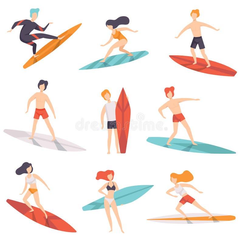 Les planches de surf de monte de personnes de surfer ont placé, des hommes d'amd de jeunes femmes appréciant des vacances d'été s illustration stock