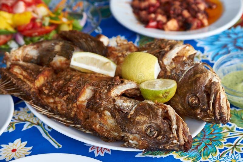 Les poissons traditionnels ont fait frire en Îles Canaries photographie stock