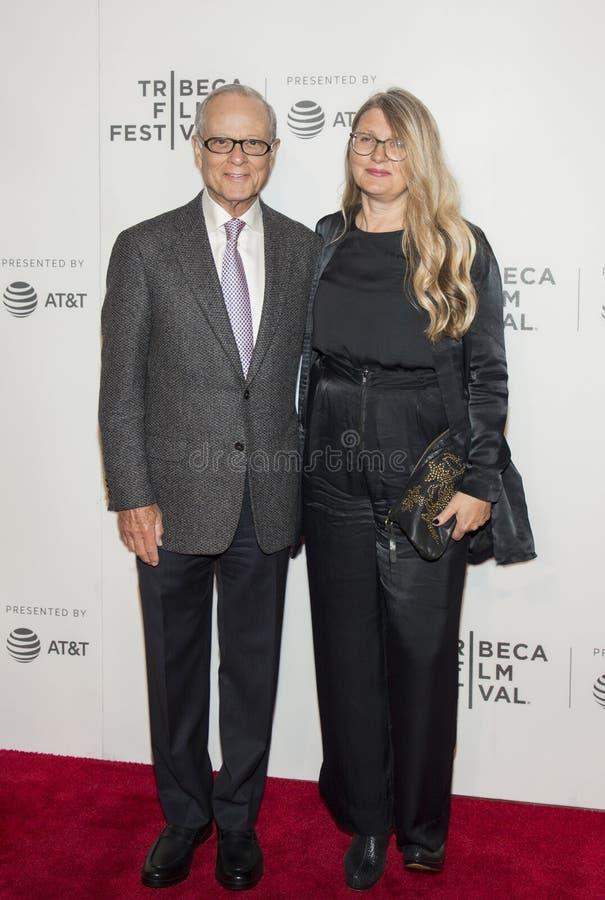 Les producteurs assistent à la première 2017 de festival de film de Tribeca du ` le ` d'exception photos libres de droits