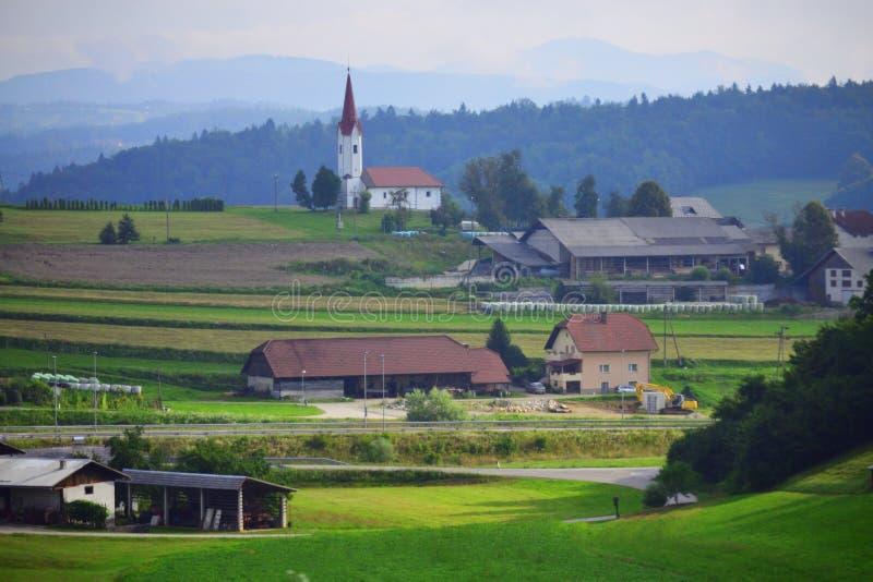 Les règlements slovènes de montagnes aménagent l'Europe en parc photographie stock