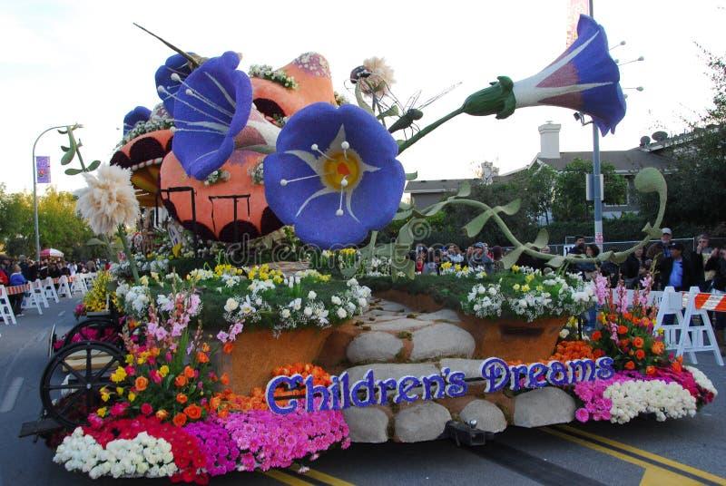 Les rêves des enfants flottent au 122nd défilé rose photographie stock libre de droits
