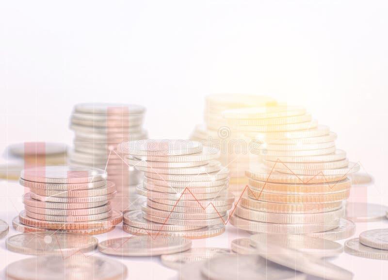Les rangées invente pour le concept de finances et d'opérations bancaires sur le fond blanc, photos stock
